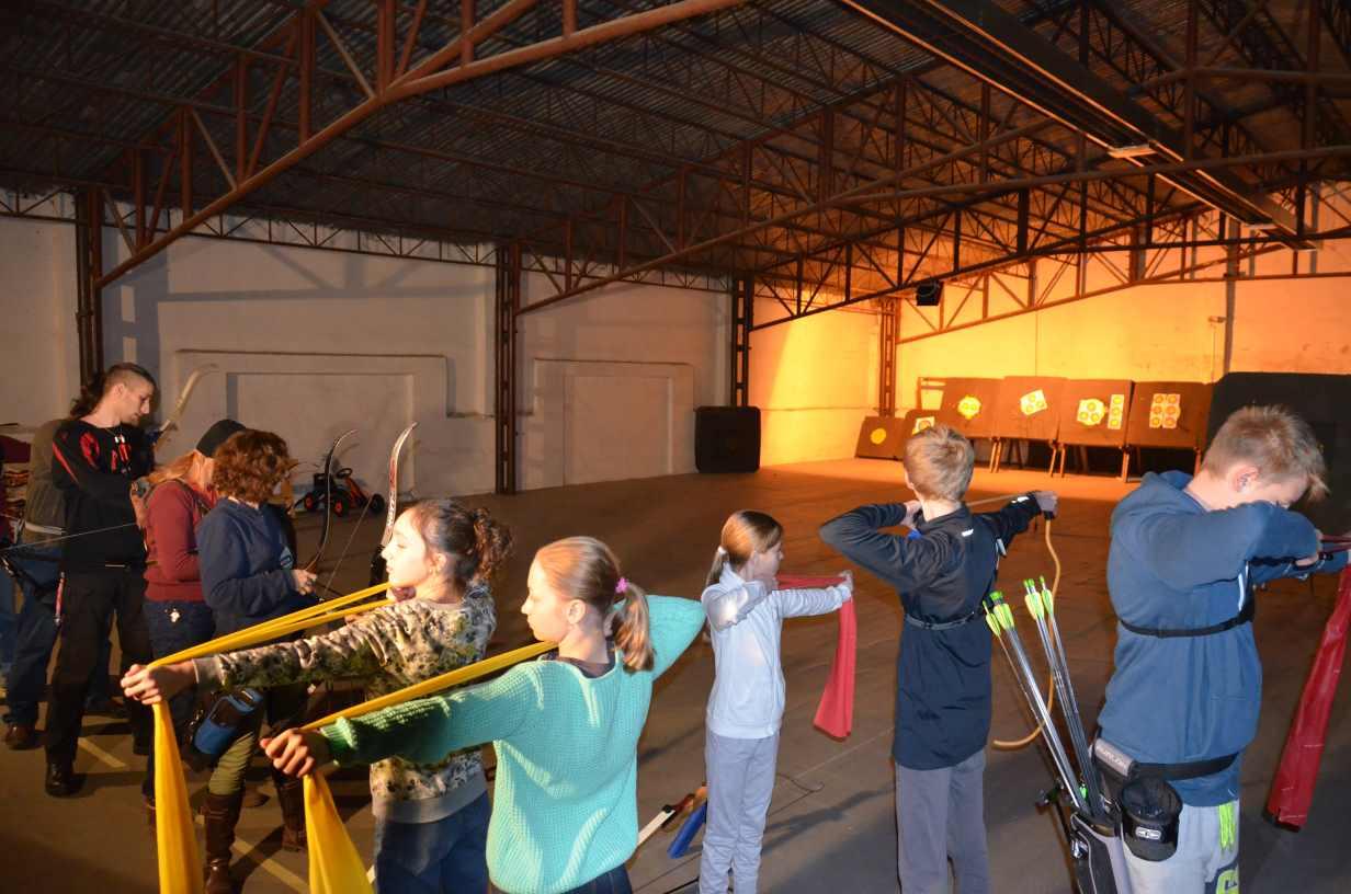 lukostrelba treningy ELAN hala 2015